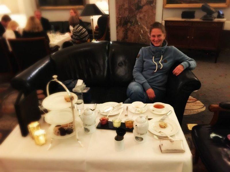 genuss pur beim high tea im hotel atlantic kempinski in. Black Bedroom Furniture Sets. Home Design Ideas